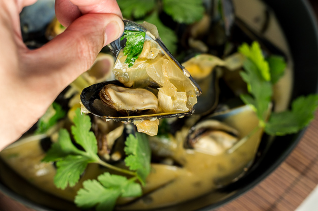Green Thai Curry Mussels