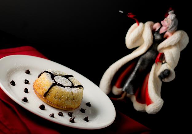 Cookies and Cream Lava Cake